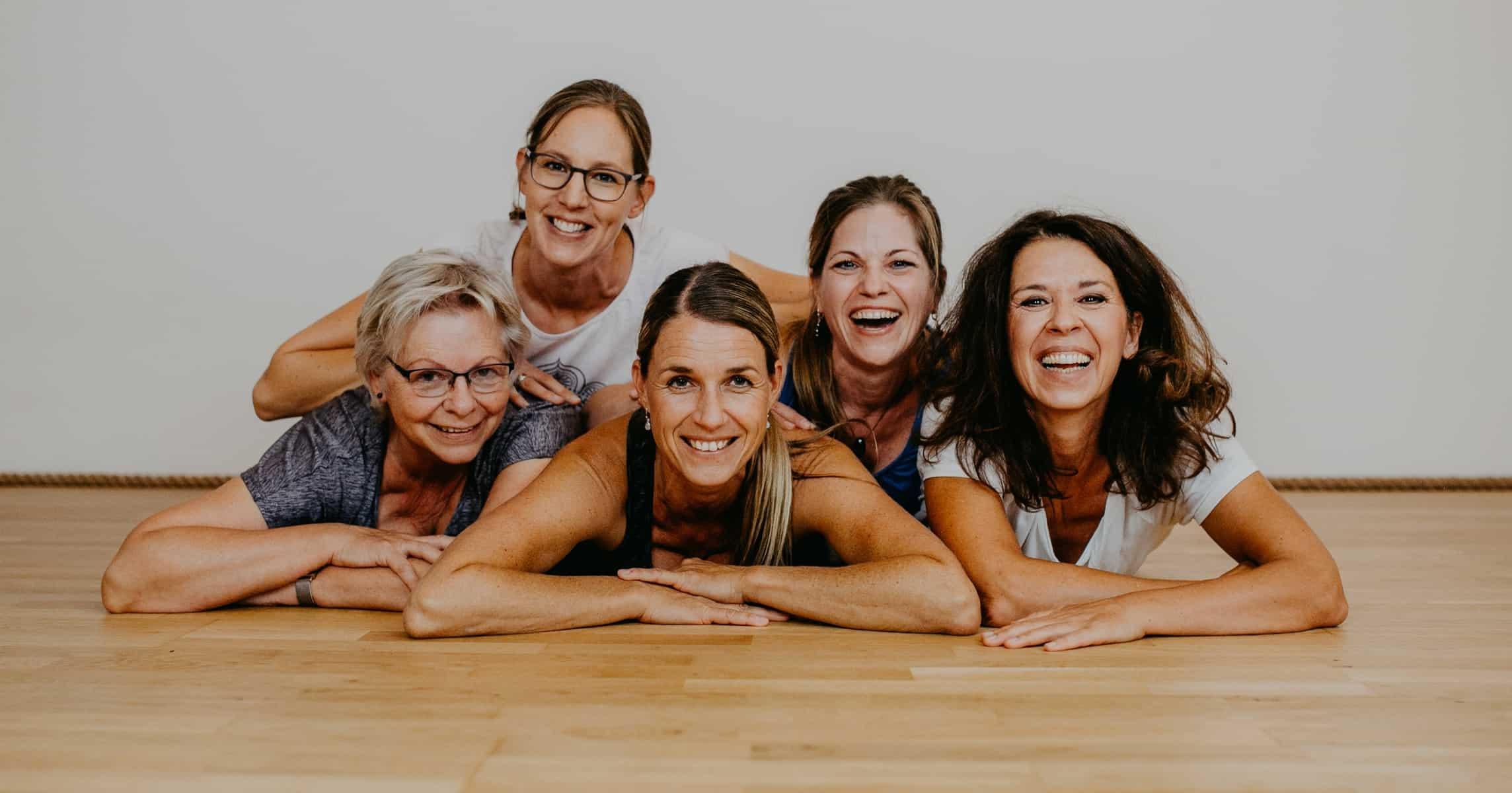 Yogaraum-Gruppe